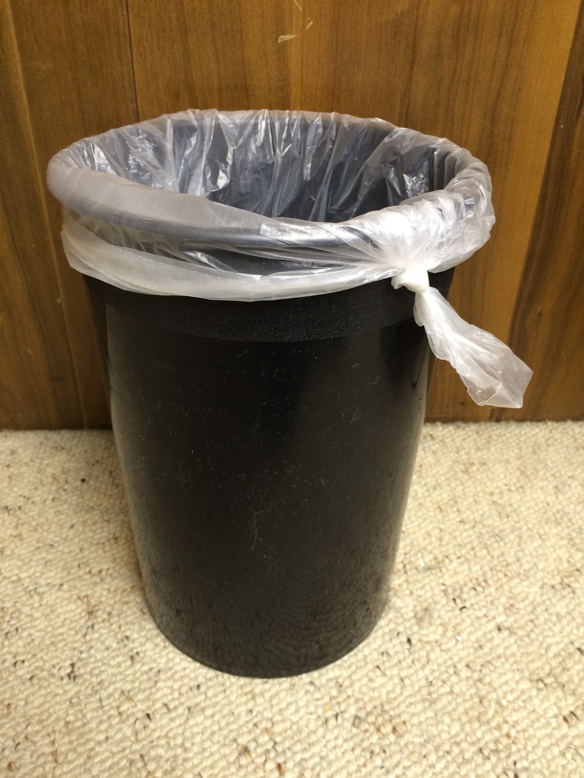 3 Never Fail Ways To Keep Your Trash Bag From Falling Into Your
