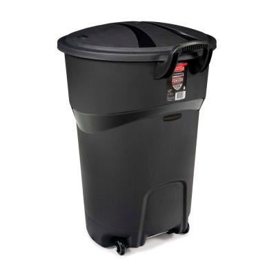32 Gallon Rubbermaid Roughneck Wheeled